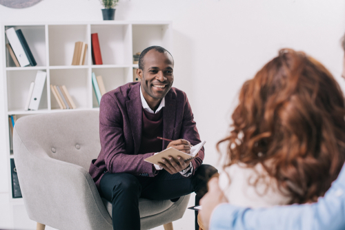 what is the difference between a psychologist and a psychiatrist